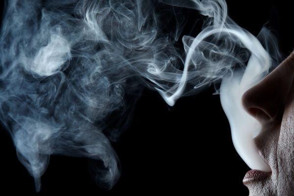 Auswirkungen von Nikotin auf die Haare